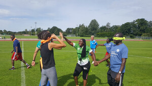 Es wurde nicht nur Fußball gespielt: Die Teilnehmer*innen des Expertentrainings in Oberhaching. Foto: DOSB
