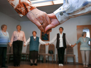 Mehr Möglichkeiten zum freiwilligen Engagement soll die Vernetzung von Sportvereinen und Seniorenbüros bieten. Foto: picture-alliance