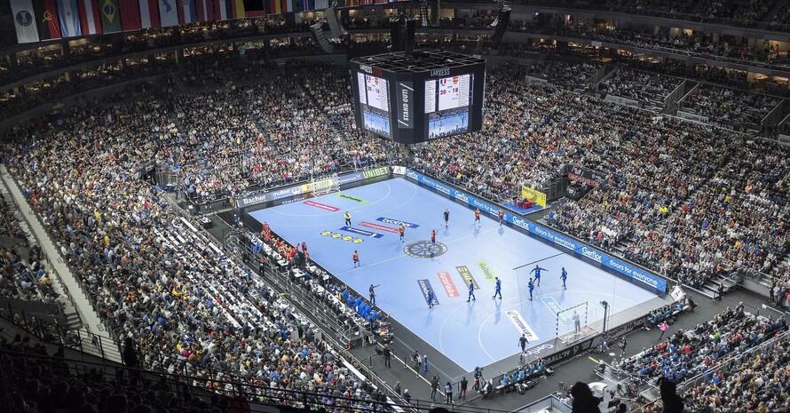 Volle Hallen, wie hier bei der WM-Hauptrunde 2019 in Köln, wird es sicher auch bei den WM-Turnieren 2025 und 2027 in Deutschland wieder geben. Foto: picture-alliance
