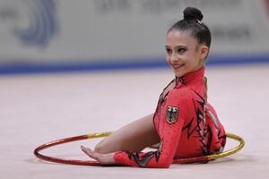 Die Rhythmische Sportgymnastin Jana Berezko-Marggrander ist mit 14 Jahren die Jüngste im Singapur-Team. Foto: minkusimages