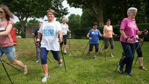 """Die Turnerschaft Zweibrücken beteiligte sich u.a. mit Nordic Walking am Vereinswettbewerb """"Bewegung gegen Krebs"""". Foto: DOSB/Turnschaft Zweibrücken"""