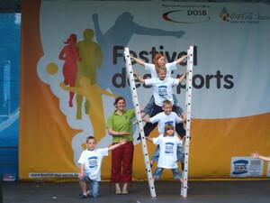 """""""Kinder stark machen"""" war auch die Botschaft der Auftaktveranstaltung zur Festivaltour in Osterburg. Copyright: www.mission-olympic.de"""