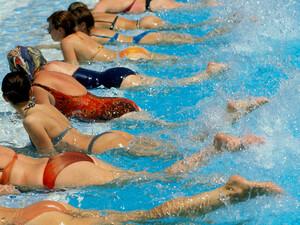 Nur mit ausreichend Schwimmbädern kann die Nichtschwimmerquote gesenkt werden. Foto: picture-alliance