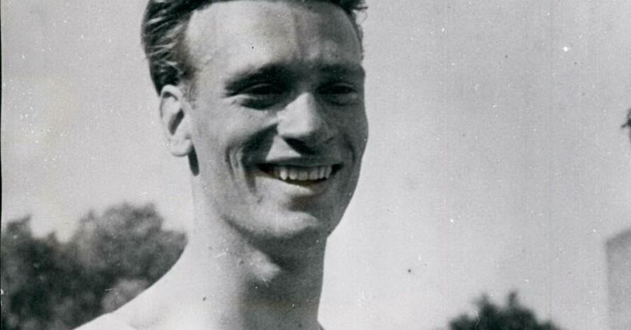 Karl-Friedrich Haas nach einem 400-Meter Wettkampf 1951 in Paris. Foto: picture alliance