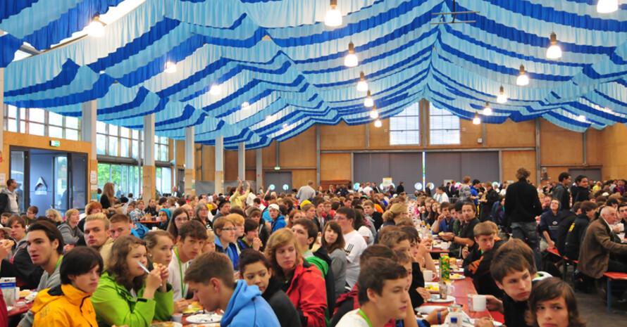 Der Abschluss-Brunch in Burghausen mit bayrischen Schmankerln als Dankeschön für die ehrenamtlichen Helfer und Helferinnen. Foto: dsj/Lindemann