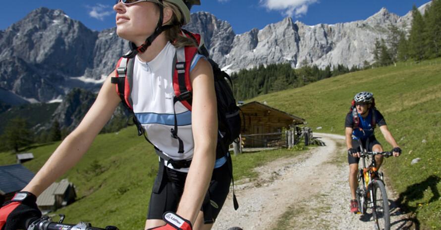 Ab sofort ist der Radsportkalender des BDR für alle Radfahrer erhältlich. Copyright: picture-alliance