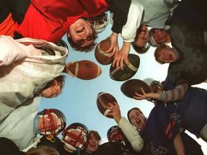 American Football ist auch bei Frauen eine beliebte Sportart. Copyright: picture-alliance