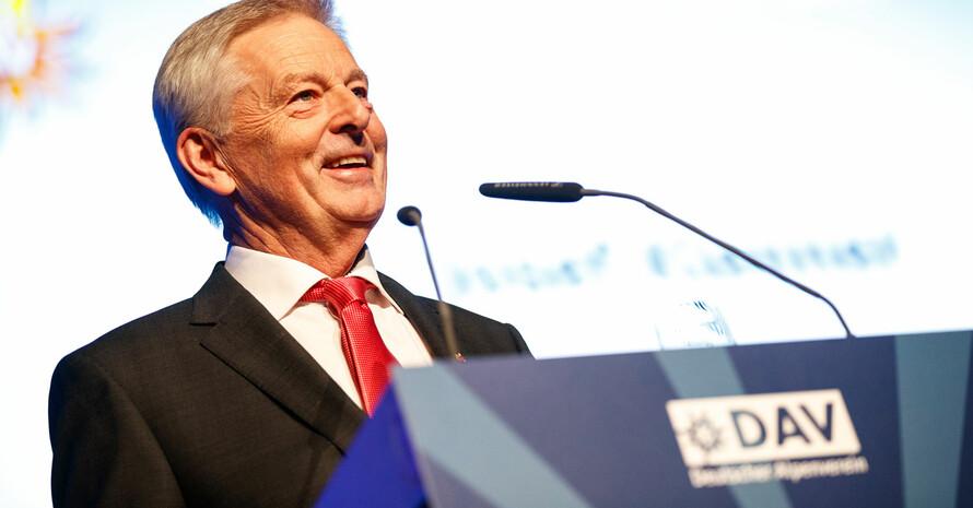 DAV-Präsident Josef Klenner auf der Jahreshauptversammlung Foto: DAV/Marco Kost