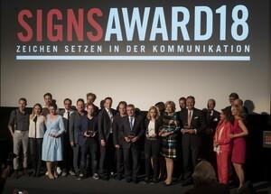 """Mit dem Signs Award werden """"Zeichensetzer in der Kommunikation"""" aus Gesellschaft, Politik, Wirtschaft, Kultur und Sport geehrt. Foto: Jochen Färber"""