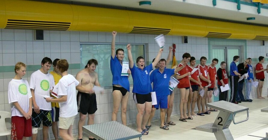Das Schwimmtraining in Riesa, eine Zusammenarbeit zwischen Sportclub Riesa e.V. und Lebenshilfe e.V., ist eine von zehn Inititiativen, die zur Wahl stehen. Foto: www.mission-olympic.de