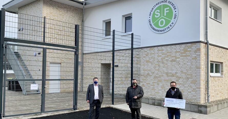 """Ehrenamt """"baut"""" auf die Zukunft Preisübergabe an die Sportfreunde Oesede-Georgsmarienhütte  Foto: Volksbank GMHütte-Hagen-Bissendorf"""