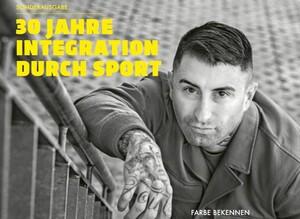 """Das Titelbild des Sondermagazins """"30 Jahre Integration durch Sport zeigt den Sänger der Punkrockband """"Broilers"""" Sammy Amara. Quelle: DOSB"""