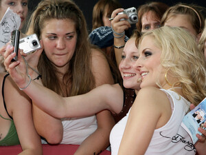 Vielleicht ein Anreiz für Ihre Fans beim Women's Run in Frankfurt dabei zu sein: Sandy Mölling von der Popgruppe No Angels. Copyright: picture-alliance