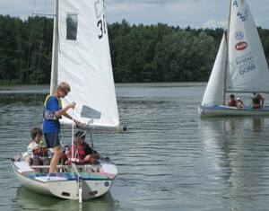"""Für ihre Initiative """"Segeln mit krebskranken Kindern"""" wurde die Segelgemeinschaft Erlangen ausgezeichnet und gewinnt 1000 Euro. Fotos: www.mission-olympic.de"""