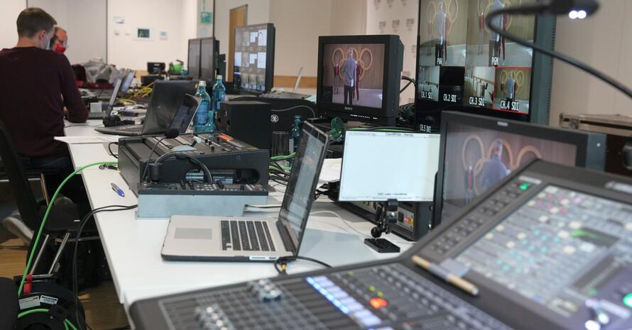 So ähnlich wird das technische Umfeld bei der digitalen Mitgliederversammlung des DOSB in der Frankfurter Geschäftsstelle aussehen. Foto: DOSB