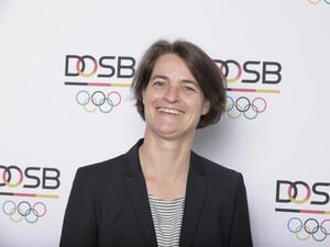 """Veronika Rücker unterstützt mit dem DOSB das Aktionsbündnis """"Alkoholfrei Sport genießen"""". Foto: DOSB/ Jörg Carstensen"""