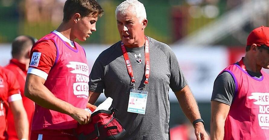 Damian Mc Grath (m.) hat einen Vertrag als Bundestrainer des deutschen 7er-Rugby-Teams bis 2024. Foto: DRV