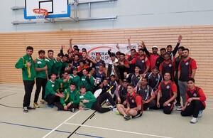 Cricketmannschaften beim Indoor-Turnier am 9.4.2018 in Nürnberg. Foto: ATV Frankonia Nürnberg