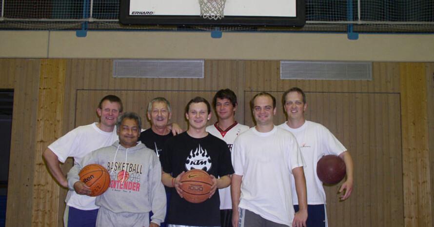 """Die Basketballer des Hauses der Jugend in Montabaur wurden zur """"Initivative des Monats Oktober"""" gewählt."""