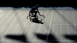 Rollstuhltennis ist eine populäre Sportart und auch bei den Paralympics vertreten. Foto: picture-alliance