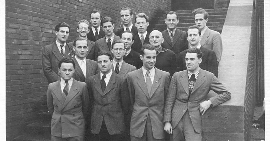 Wilhelm Bolz im Kreise seiner Kommilitonen, mittlere Reihe links (Foto privat)