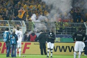 Dem Einsatz von Pyrotechnik in Stadien erteilte der DFB eine klare Absage. Foto: picture-alliance
