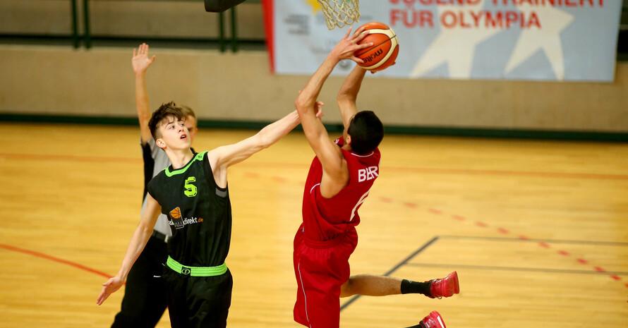 Die Basketball-Jungs des Schul- und Leistungssportzentrums Berlin waren nicht zu halten. Foto: ©JTFO/Sampics