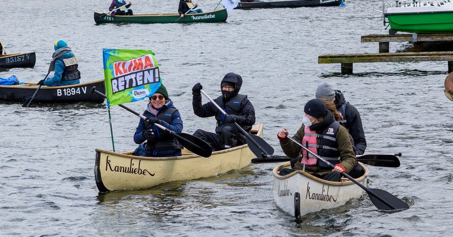 Bootsdemo beim 7. globalen Klimastreik von Frideays For Future im März 2021 in Berlin; Foto: picture-alliance
