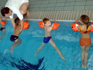 """Für das Projekt """"Alle Kinder wollen schwimmen!"""", werden noch Sponsoren gesucht. Copyright: picture-alliance"""