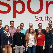 """Vertreterinnen und Vertreter der Hamburger Stiftung """"Lebendige Stadt"""" und des DOSB. Foto: DOSB"""