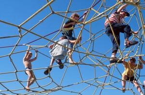 Kinder dürfen beim Spielen laut sein. Foto: picture-alliance