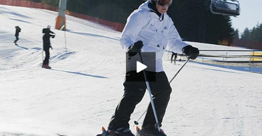 Der Bundesinnenminister auf der Skipiste am Hausberg in Garmisch (Screenshot vom Videopodcast); Copyright: BMI