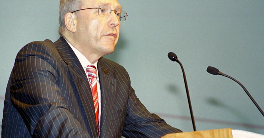 DOSB-Generaldirektor Dr. Michael Vesper fordert die ehrenamtlich Tätigen von überflüssiger Bürokratie zu entlasten. (Foto: Christian Meyer)