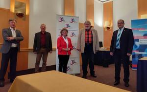 Präsidium mit Abstand: Bernd Meyer , Peter Römer, Gabriele Wrede, Uwe Tronnier und Patrick R. Nessler (v.l.)  Foto: BSV Hamburg/Ingo Aurin