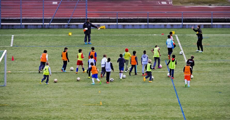 Sporttreibende Kinder verursachen Lärm, das sollten Anwohner akzeptieren. Foto: picture-alliance