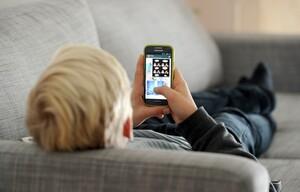 Kinder und Jugendliche sollen im virtuellen Raum besser geschützt werden. Foto: picture-alliance