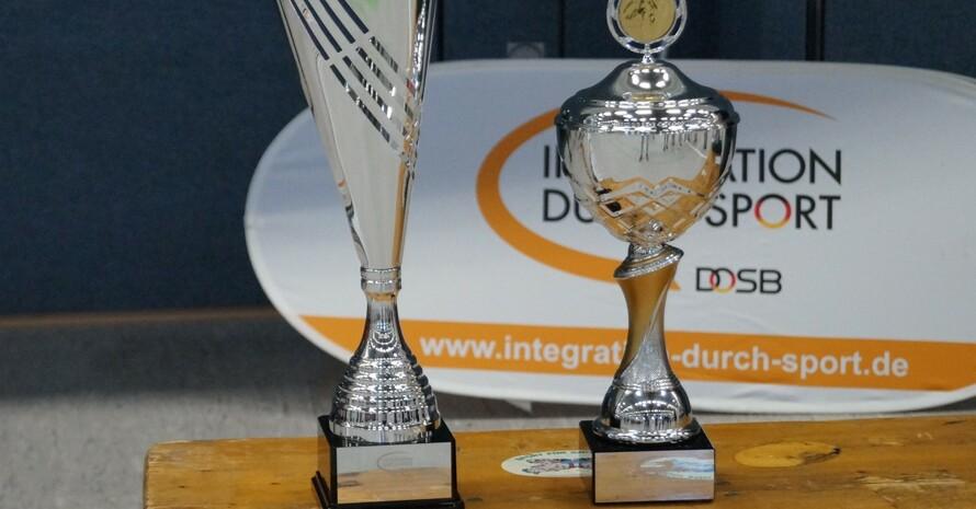 Die Siegerpokale (Foto: Integration durch Sport)