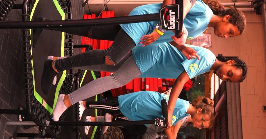 Trampolinspringen als Bewegungshighlight für alle (Quelle: Sportjugend Hessen)
