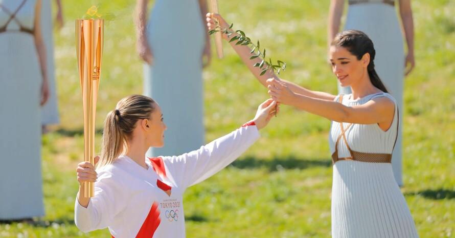 Nach der Zündungszeremonie im antiken Olympia soll die Olympische Flamme für Tokio 2020 Leuchtfeuer der Hoffnung sein. Foto: IOC/Greg Martin