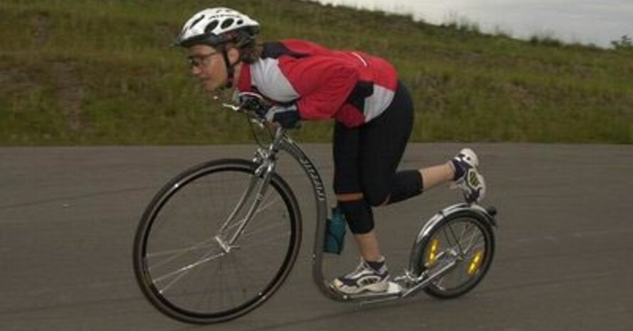 Auch mit einem Tretroller lässt sich schnell fahren. Bild: www.wendelinuspark.de