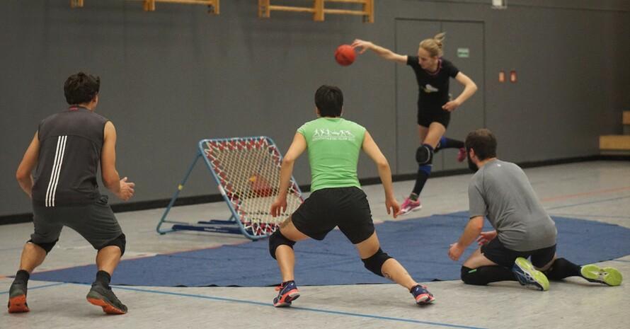 Vielfalt spielend leben = Tchoukball Foto: Hochschulsportverein Neubrandenburg