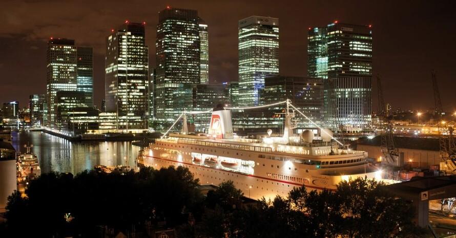 Die MS Deutschland beherbergt während der Olympischen Sommerspiele in London 2012 die Gäste des DOSB.