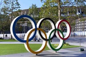 Olympische Ringe vor dem Olympiastadion in Tokio: Zum erste Mal in der Geschichte der Olympischen Spiele sind keine Zuschauer beim weltgrößten Sportereignis zugelassen. Foto: picture-alliance