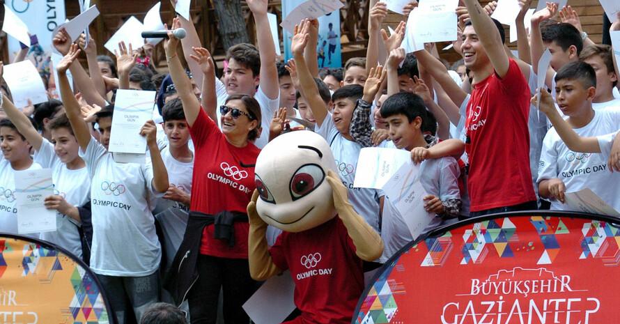 Der Olympic Day in Gaziantep bringt Kinder syrischer und türkischer Nationalität zusammen. Foto: DOSB