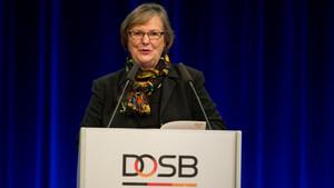 Ilse Ridder-Melchers auf der DOSB-Mitgliederversammlung 2014 in Dresden. Foto: Ronald Bonss