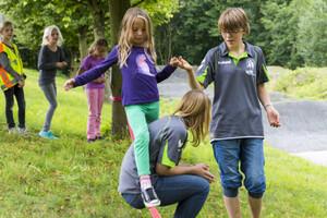 Vertrauen, Zuverlässigkeit, Toleranz sind Werte, die Kindern wichtig sind. Vereine helfen diese zu vermitteln. Foto: LSB NRW