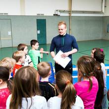 Gerade an Grundschulen fehlen gut ausgebildete Sportfachkräfte. Foto: LSB NRW