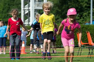 Kinder sollen an Aktivitäten in den Bereichen Sport, Spiel, Kultur und Geselligkeit teilhaben können: So steht es im Starke-Familien-Gesetz. Foto: LSB NRW