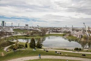Blick vom Olympiapark auf das Gelände des Münchner Olympiaparks, wo 2022 die European Championchips stattfinden werden. Foto: picture-alliance