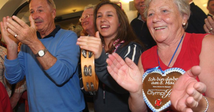 Olympia-Befürworter freuen sich über das Abstimmungsergebnis. Foto: picture-alliance